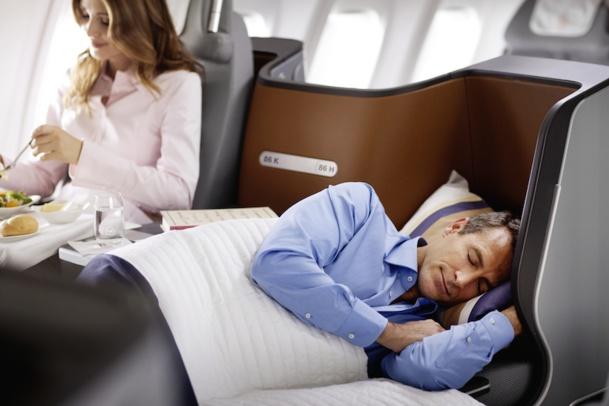 La classe affaire de Lufthansa propose aux passagers un lit entièrement plat. DR Jens Goerlich.