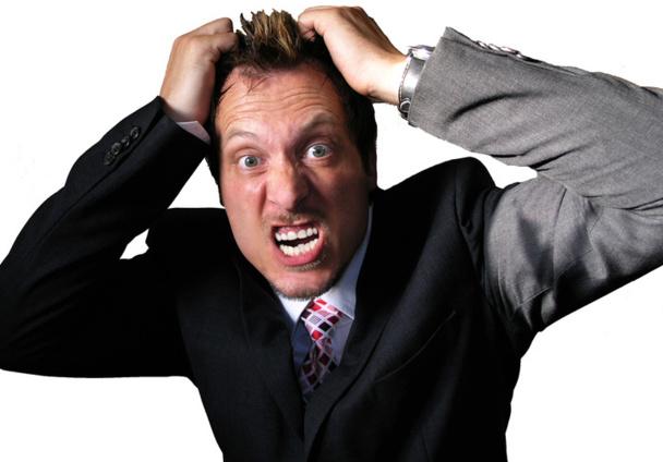 """Hausse garanties : un Collectif d'agents de voyages """"en colère"""" s'en prend à l'APST, au Snav... et à la presse pro !"""