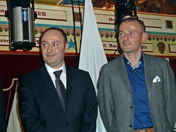 Les deux frères Laurent Abitbol et son frère Stéphane, responsable de la Distribution du Groupe, qui comptera bientôt 120 points de vente. /photo JDL