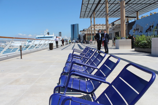 Les Terrasses du Port ont été inaugurées en mai 2014, et surplombent le port de Marseille. La terrasse de 260 mètres de long, fierté de la directrice Sandra Chalinet - LT