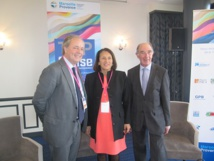 De gauche à droite : Franck Recoing, vice-Président de la CCIMP, Dominique Vlasto, adjointe au maire de Marseille en charge du Tourisme, et Jacques Truau, Président du Club de la Croisière Marseille Provence - Photo P.C.