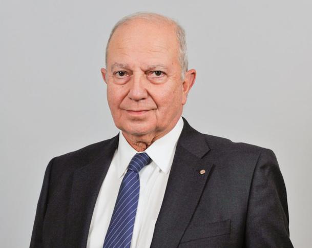 """L'augmentation des cotisations aura permis à Raoul Nabet, malin comme trois singes, de faire le tri et de reconnaître ses vrais """"amis"""" - DR"""