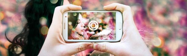 Fotolia, banque d'images leader sur le marché européen des micro-stocks, prolonge l'idée selon laquelle la photo et l'instant sont  indissociables. En créant Instant Collection, une nouvelle série de photographies issue des smartphones, les utilisateurs peuvent, en attrapant leur téléphone, apporter un nouveau regard et transmettre une image plus authentique.