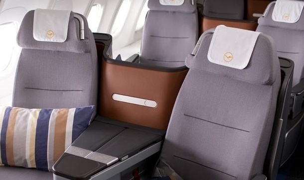 The Lufthansa seats don't provide a direct access to passengers on the window side. DR