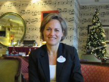 Laure Glatron directrice des ventes Europe lors de son point presse au Disneyland Hotel le 24 novembre 2014.