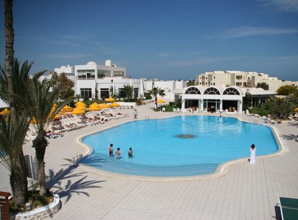 Dans le cadre des négociations avec de gros TO européens, les représentants de certains hôteliers tunisiens se retrouvent parfois esseulés - Photo J.D.L.