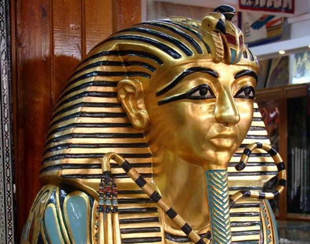 La case de l'Oncle Dom : une pyramide unie pour relancer l'Egypte...