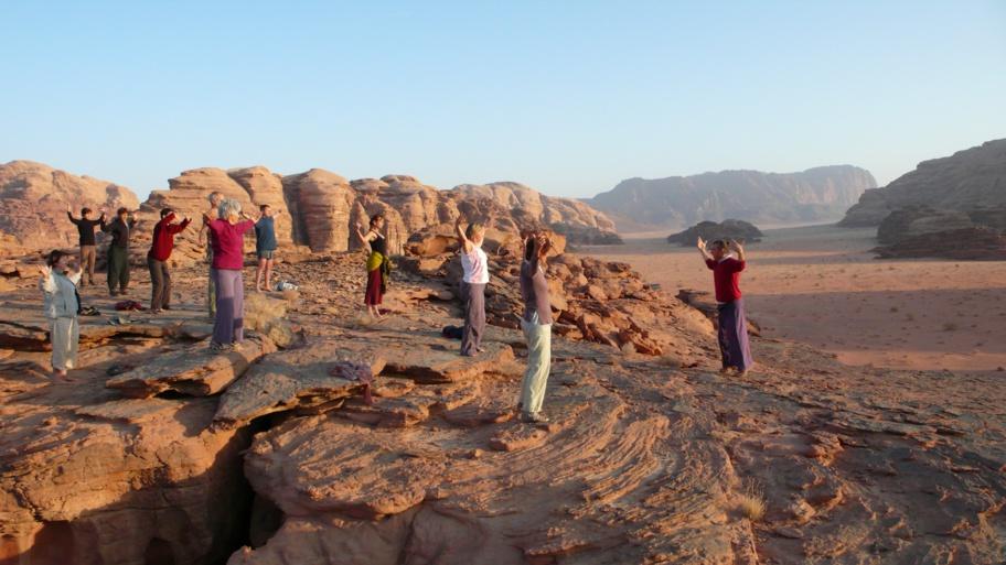 Qi Gong dans le désert du Wadi Rum