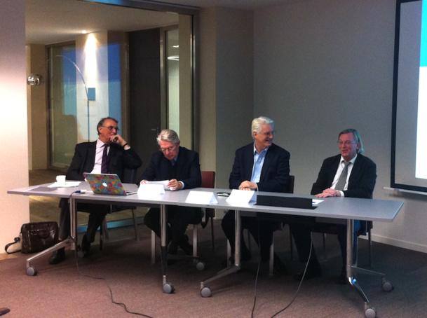 Jean-Pierre Bès, le secrétaire du SCARA, Jean-Pierre Teyssier, le médiateur du tourisme, François Bacchetta, le directeur général d'easyJet France, Jean-François Dominiak, le vice-président du SCARA. DR - LAC