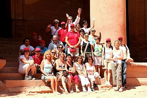 Convivialité et humeur joyeuse au rendez-vous à Petra pour ces patrons de mini-réseaux du Sud Est