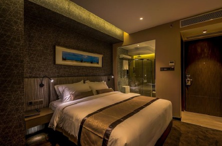 L'adresse compte 50 chambres et suites dont les surfaces vont de 25 m² à 80 m² - Photo DR