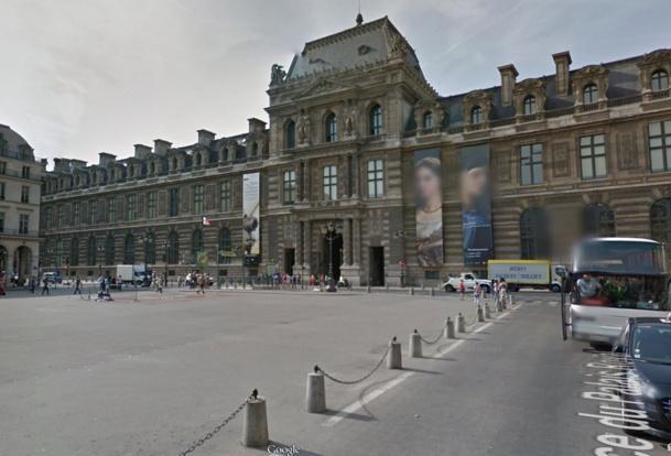 """Les guides-conférenciers français et étrangers sont appelés à se rassembler mercredi 17 décembre 2014 sur la Place du Palais-royal à Paris, pour protester contre la loi """"Macron"""" - DR : Google Street View"""