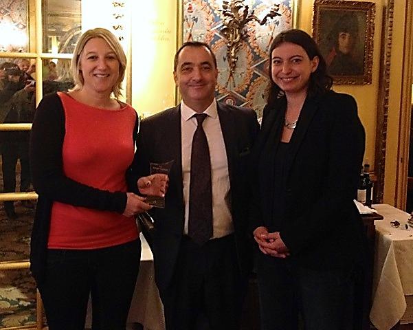 Autour d'Emmanuel Toromanof Aude Parlebas et Sarah Lopez les premières lauréates du Prix Georges Toromanof décerné par l'AFST;