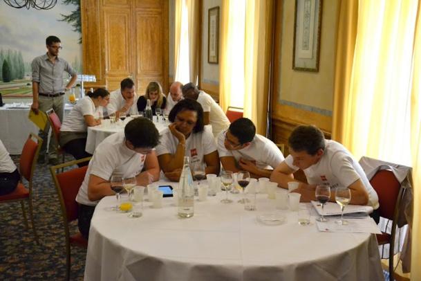 Un quizz autour du vin lors d'un team building - DR