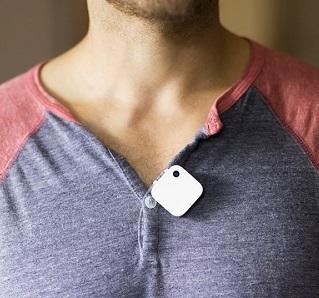 Petite, discrète, et accrochée à des vêtements, Narrative Clip 2 est une caméra passe partout