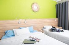 Les chambres du Village Club du Soleil affiche des couleurs vives - DR : Villages Clubs du Soleil