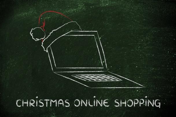 8% des produits culturels achetés cette année à Noël par les e-acheteurs français sont des voyages, des séjours ou des billets d'avion © faithie - Fotolia.com