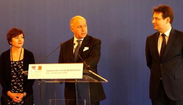 Laurent Fabius, ministre des affaires étrangères et du développement international a présidé la signature des contrats de destination - DR : Atout France