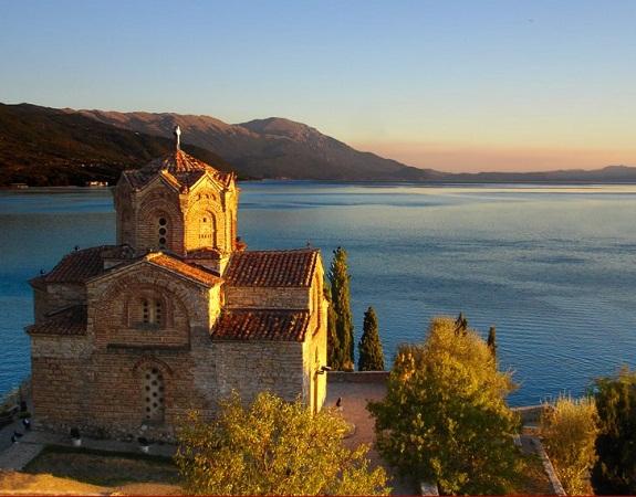 Le Lac d'Ohrid, en Macédoine, est l'un des fleurons du tourisme dans les Balkans - DR : MAPST