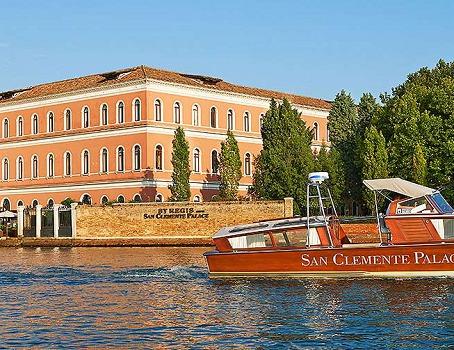 Le St.Regis Venise San Clemente Palace est situé sur une île privée au coeur de la lagune de Venise - Photo DR