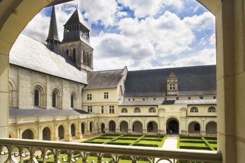 L'Abbaye de Fontevraud abrite aussi un hôtel 4 étoiles et un restaurant gastronomique. Développer le Wi-Fi était donc un enjeu marketing de taille. © N. Mateus