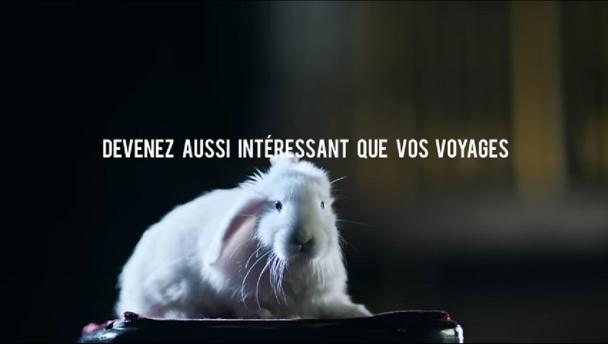 Expedia.fr lance une campagne publicitaire « Devenez aussi intéressant que vos voyages ». Deux spots vont être diffusés à la télévision et sur internet. © Expedia.fr