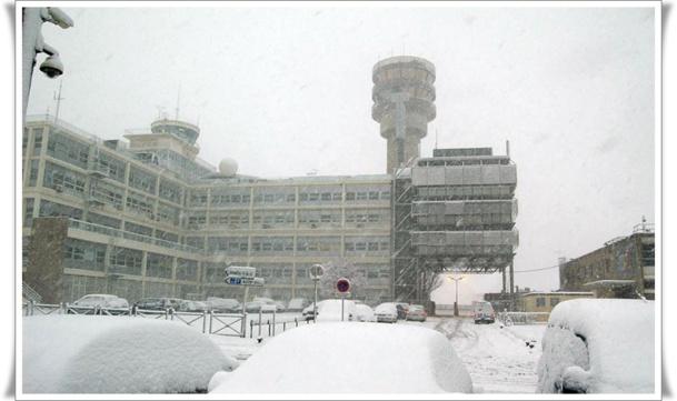 En 2009, de nombreux passagers s'étaient retrouvés bloqués à l'aéroport Marseille provence après des chutes de neige - Photo DR