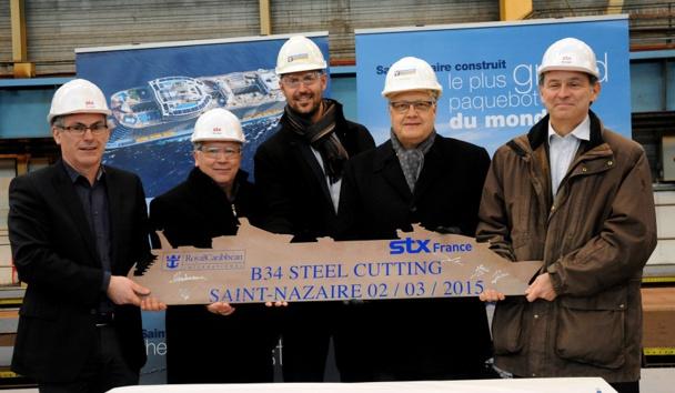 La découpe symbolique de la première tôle du navire vient d'avoir lieu au chantier naval STX France de Saint-Nazaire - Photo Royal Caribbean international
