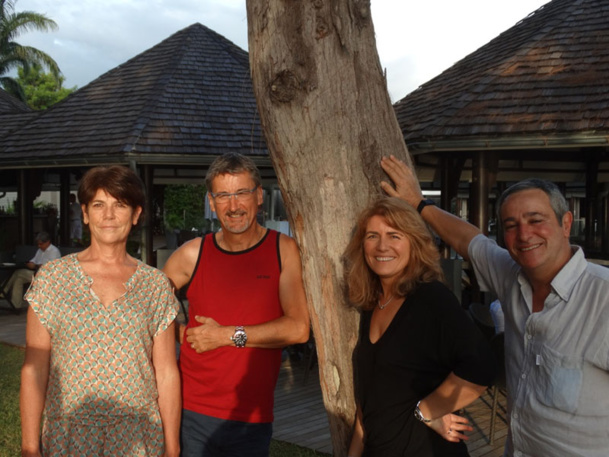 De gauche à droite : Dominique Beljanski, président de la coopérative, Didier Calas, Cécile Eglessies, Bernard Garcia - Photo JBH