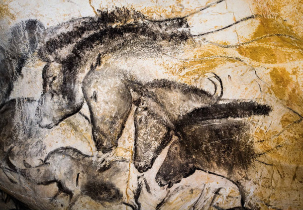The Chauvet Cave prehistorical painting: during a guided tour, visitors will discover the secret of the paintings and techniques used as well as the replica of the cave in all of its wonders. - DR Photo Grotte Chauvet