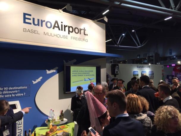 Ambiance carnavalesque au stand EuroAirport, partenaire de la première heure du salon FestiVitas - DR : M.S.