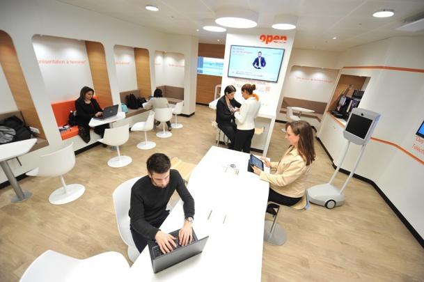 Avec son design moderne, ses sièges confortables et son espace de travail, le nouvel espace business d'Orly va également accueillir des startups toutes les deux semaines pour promouvoir l'innovation française. © Jean-Pierre Gaborit