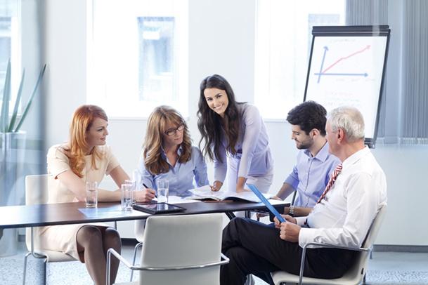 Le directeur commercial est chargé d'appliquer la stratégie de croissance d'un TO et de gérer une équipe de commerciaux itinérants représentant la marque - © sepy - Fotolia.com