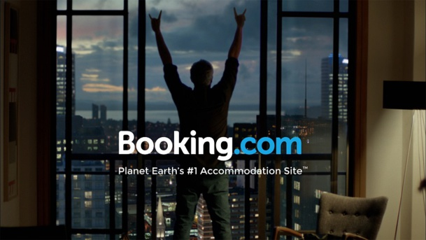 Alors qu'Accor vient de porter plainte contre Booking.com,  le géant de la réservation hôtelière online lance son application Booking Now en France. © Booking.com