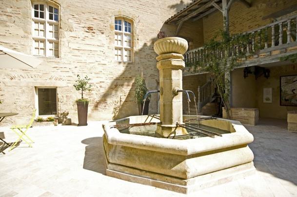 L'Office de Tourisme du Val de Garonne est organisée en trois pièces et un patio. (c) Pierre Baudier