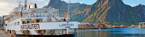 Le MS Lofoten embarquera le 15 avril 2015 pour une croisière années 60 de Bergen à Kirkenes, en Norvège - Photo Hurtigruten