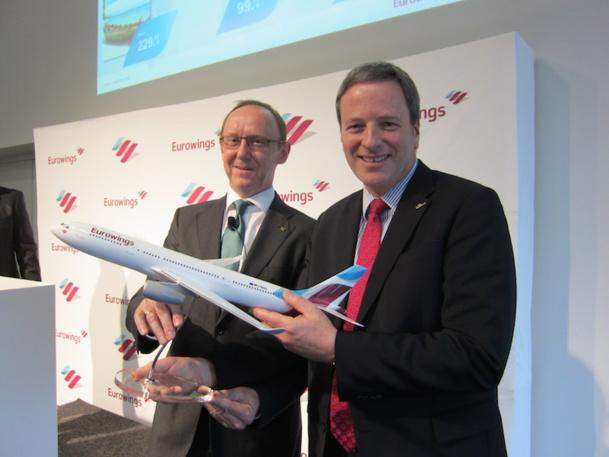 Karl Ulrich Garnadt, le PDG de Lufthansa et Andreas Bartels le directeur de la communication présentent la nouvelle livrée des avions d'Eurowings, la nouvelle entité low-cost du groupe allemand. DR-LAC