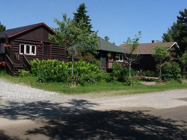 Miraculeusement conservé, le village minier  de Boulamaque (60 maisons)  est toujours habité - DR : J-P.C.