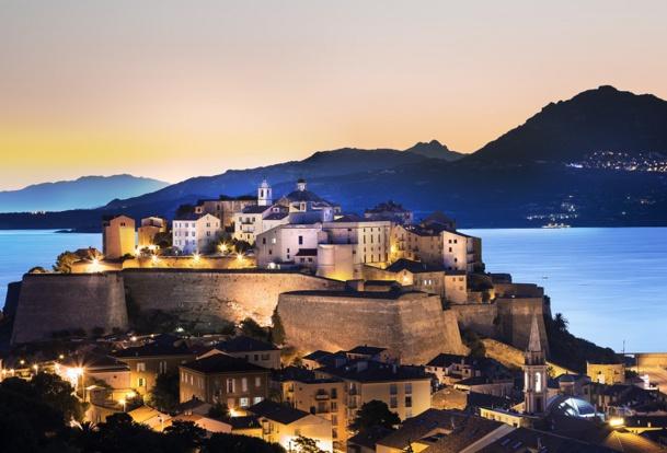 Du 4 au 7 juin aura lieu à Calvi, en Corse, le premier concours international de Community Manager : le Somero. © Pixel & Création - Fotolia.com