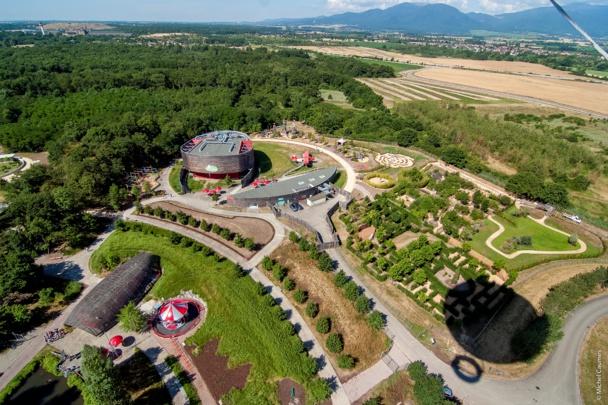 Une partie du parc prise d'un ballon captif à 150 mètres de hauteur.