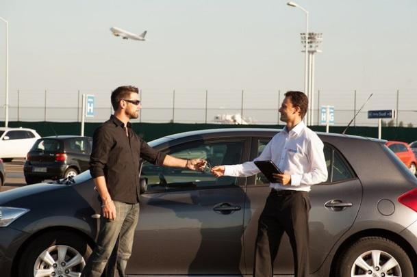 Carnomise, start-up d'autopartage au départ des aéroports, vient d'être sélectionnée par l'accélérateur Startupbootcamp pour le programme Smart city & Living. (c) Carnomise