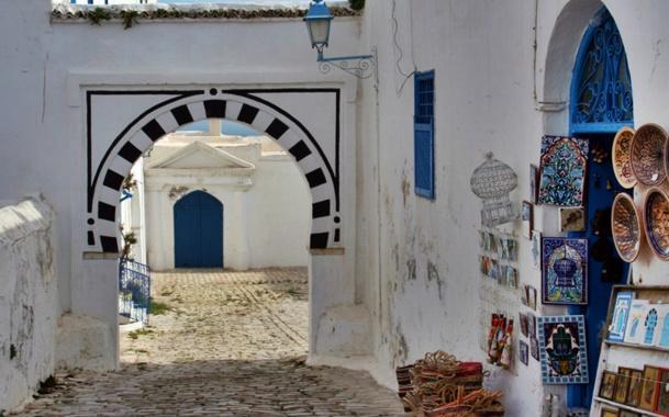 Tunisie : la Mairie de Paris offrira une campagne d'affichage