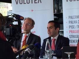 Pascal Personne (à gauche), Directeur de l'Aéroport de Bordeaux, et Carlos Muñoz (à droite), Fondateur et Président Directeur Général de Volotea - Photo Volotea