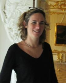 Marie Brochard (CE Evasion à Lyon). Ici au Palais de Catherine de  Pouchkine à une trentaine de kilomètres de Saint-Petersbourg.