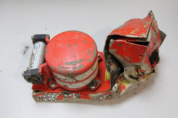 Photo of the first black box found on the site of the crash - Photo BEA