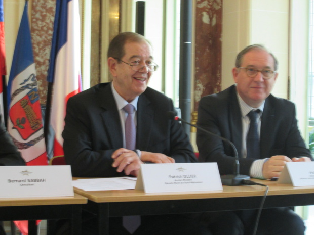 Patrick Ollier, former Minister, Deputy-Mayor of Rueil-Malmaison and Philippe Trottin Assistant Mayor, delegate in International Affairs, Twinning, and Tourism. During the presentation of the festival at the Russian Cultural Center in Paris. Photo MS