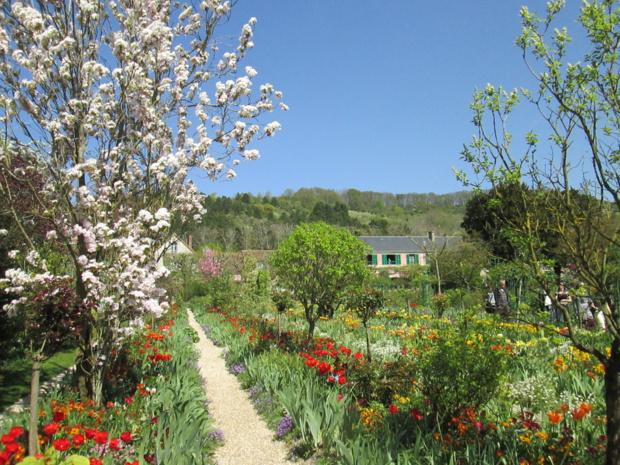 Le jardin et la maison de Claude Monet, peintre et jardinier. Pendant plus de 40 ans, jusqu'à sa mort en 1926, Giverny fut sa demeure, son lieu de création et son oeuvre- Photo M.S.