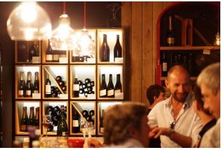 La Route des Bars à vin permet de découvrir la carte de ces lieux particuliers - Photo Bordeaux Tourisme