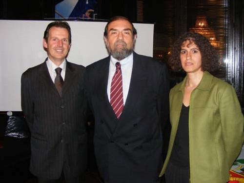 De gauche à droite Philippe Rudolph, consul honoraire du pérou à Nice, Alberto Carrion, ambassadeur du pérou à Paris et Maria Elena Corvest , attachée touristique du consulat général du pérou à Paris