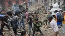 Séisme au Népal : le bilan provisoire dépasse les 1400 morts